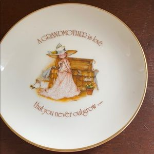 "Vintage 6""decorative plate ""A Grandmother is love"""